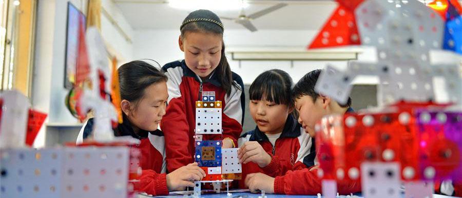 Dos equipos chinos conquistan edición estadounidense de World Educacional Robot Contest