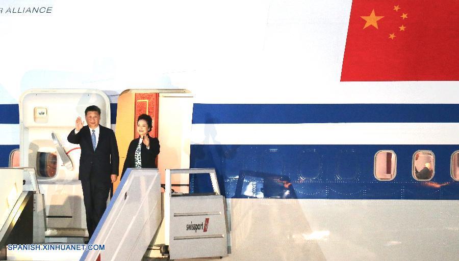 URGENTE: Presidente de China llega a Perú para reunión de APEC y visita de Estado